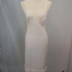 VINTAGE KAYSER, Size 34, Full Slip, White